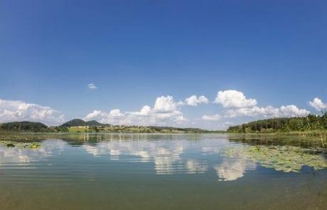Naturnaher ruhiger Strand am Turnersee in Kärnten Ferienwohnungen Jernej Katharina