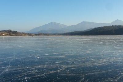 Eislaufen am Turnersee in Kärnten Ferienwohnungen Jernej Katharina Südkärnten